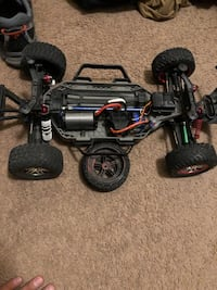 black and red RC car toy Yuma, 85364