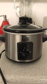 stainless steel and black slow cooker Toronto, M2K 2J8
