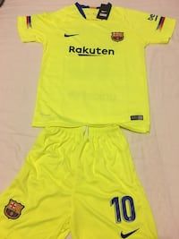 Barcelona away kit messi 2018 size 28 10-12 years old