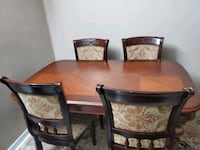 Dining table with 4 chairs Toronto, M6G