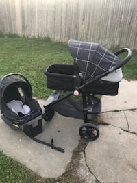 Baby's black and gray travel system Freeport, 11520