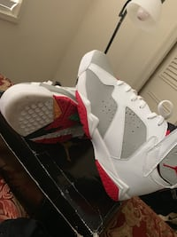 pair of white-and-red Air Jordan shoes Alexandria, 22304