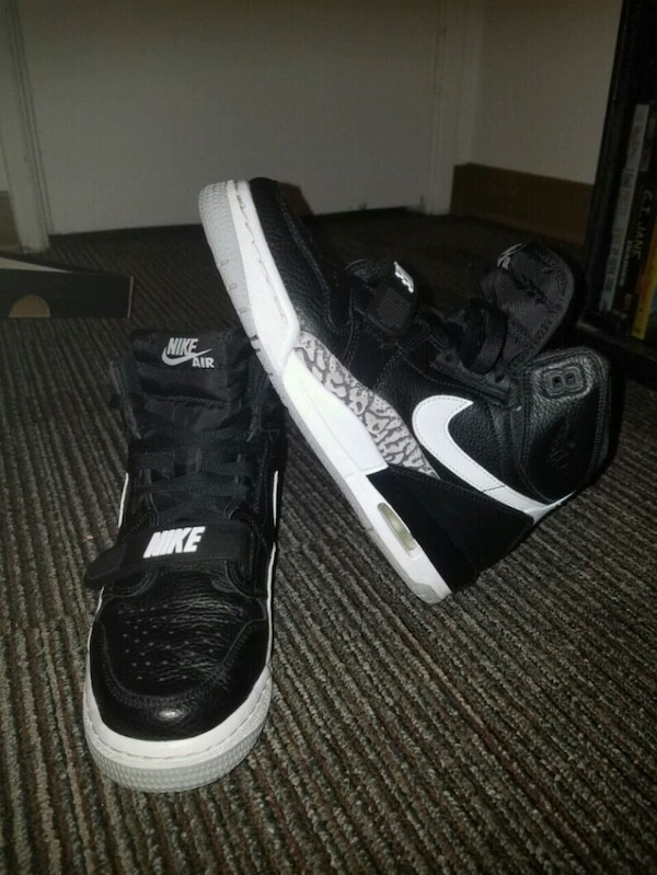 6466844180b Used pair of black-and-white Nike basketball shoes for sale in ...