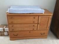 Dresser changing table Bristow, 20136