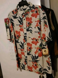 Mens xl shirt. Warwick, 02886