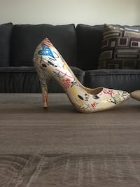Women's high heels Winnipeg, R3R 3B1