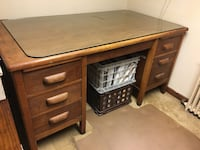 Vintage Desk, Solid Oak, Excellent Condition Alexandria, 22301