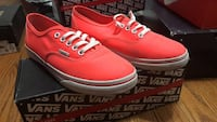 red-and-white VANS low-top sneakers New York, 11222