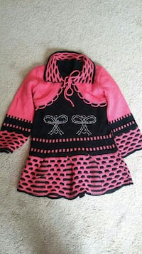 Girl's pink and black long-sleeved dress