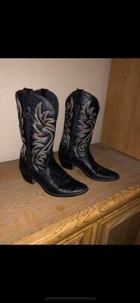 pair of black leather cowboy boots Antioch, 94509