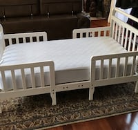 White Toddler bed in great shape with mattress  Reston, 20190