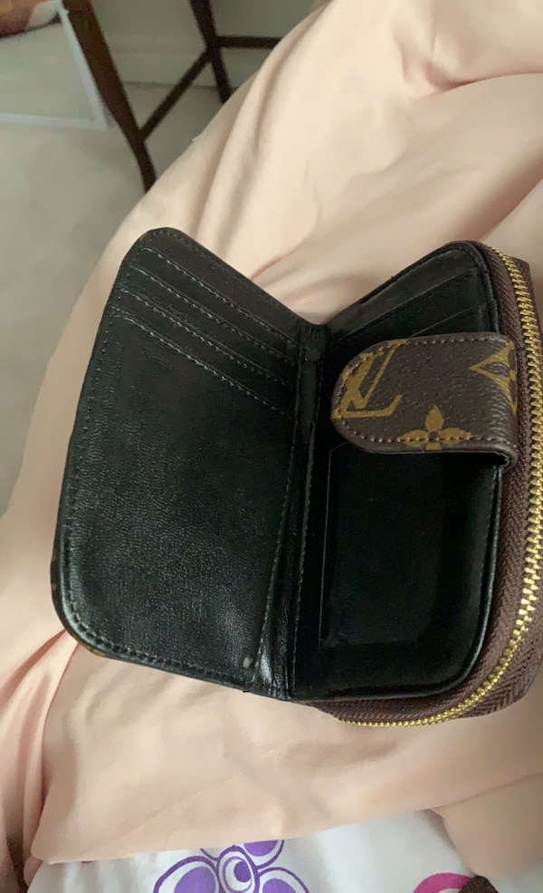 Louis Vuitton wallet 2