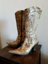 Women's tall leather boots (size 7)