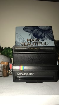 Vintage 600 Polaroid camera Germantown, 20874