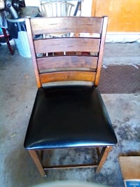 chair with leather covers seat Oklahoma City, 73159