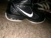 unpaired of black Nike basketball shoe Grass Valley, 95945