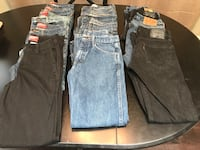 Young men's slim fit jeans and pants LOOKING TO MOVE THESE ITEMS. MAKE ME A REASONABLE OFFER. CROSS POSTED.  Land O Lakes, 34639