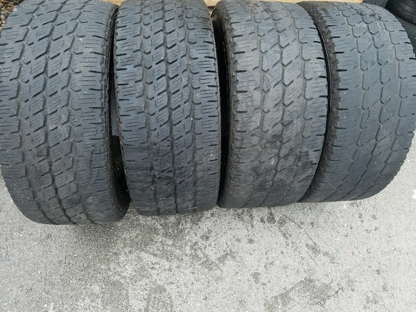 305 55r20 In Inches >> Used 305 55 20 Nitto Dura Grappler 33 Inch Tires For Sale In