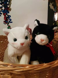 two white and black rabbit plush toys Laval, H7S