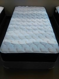tufted gray and white striped bed mattress Auburn, 98002