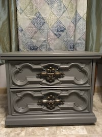 Night stand/ end table 28w x 16d x 22h