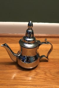Stainless steel individual teapot
