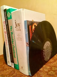 REDUCED PRICE. - Bookends handmade from 33 LP albums acrylic/vinyl. New York, 11229