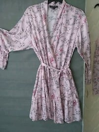 white and pink floral scoop neck long sleeve dress Mount Rainier, 20712