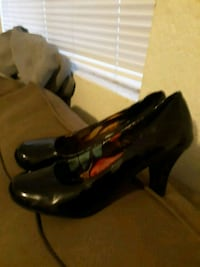 black and brown leather cowboy boots Bakersfield, 93307
