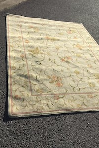 Rug approximately 6 by 8 nice vintage