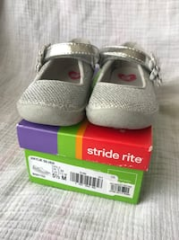 Girls Shoes Stride rite(size tod5.5) Clarksville, 37043