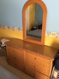Wicker chest and nightstand. Mirror Included. Both of them have cristal top for your convenience OBO 848 mi