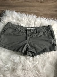 Olive shorts size 1 Waterloo, N2T 1Z9