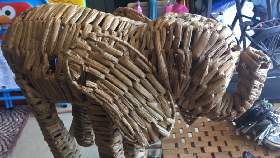 Straw elephant with personality $10 b8ee9240-57d0-4e01-8c55-12809096e68f