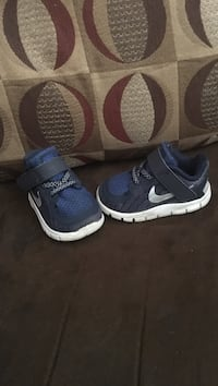 Toddler's blue-and-black Nike running shoes Louisville, 40272