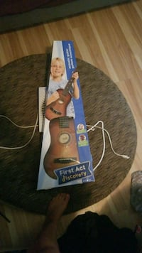 Acoustic guitar for kids in box gently used