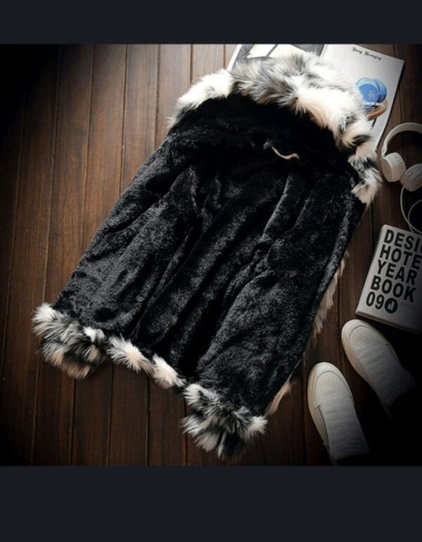 Brand new faux fur jacket zip up 2