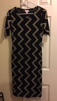 black and gray chevron scoop neck dress North East, 21901