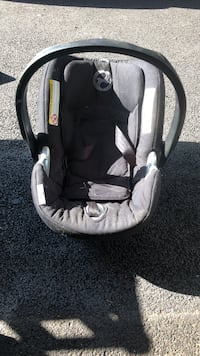 Cyber car seat like new  Yonkers, 10710