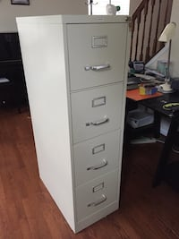 4 drawer filing cabinet  Bristow, 20136