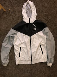 Nike windbreakers  Lincoln, 68510