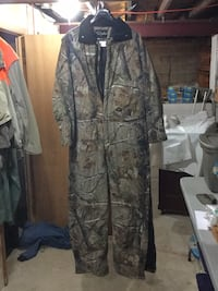 Walls XL insulated camo coveralls Reading, 19606