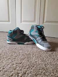 gray-and-black basketball shoes