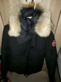 black and white fur-lined parka Newmarket, L3X
