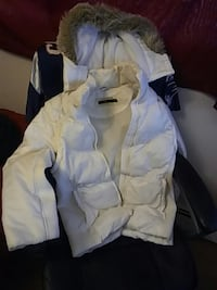white bubble parka Bedford, B4A