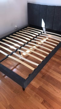 Black and brown wooden bed frame queen Los Angeles, 91403
