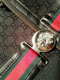 silver-colored Gucci buckle with red leather belt Asheboro, 27203