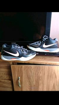 pair of black-and-white Nike basketball shoes Merced, 95341
