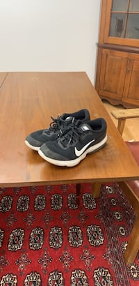Shoes bike air max size 10.5 us , pretty brand new great sho great confront  Bethesda, 20817