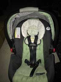 Baby car seat. Laval, H7P 2H5